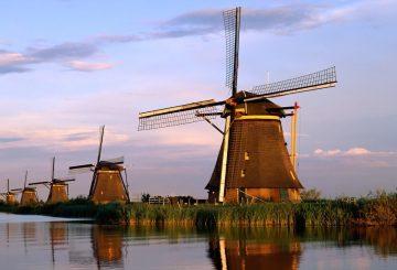 Rencana Liburan ke Belanda? Belajar Bahasanya Dasarnya Dulu Yuk!