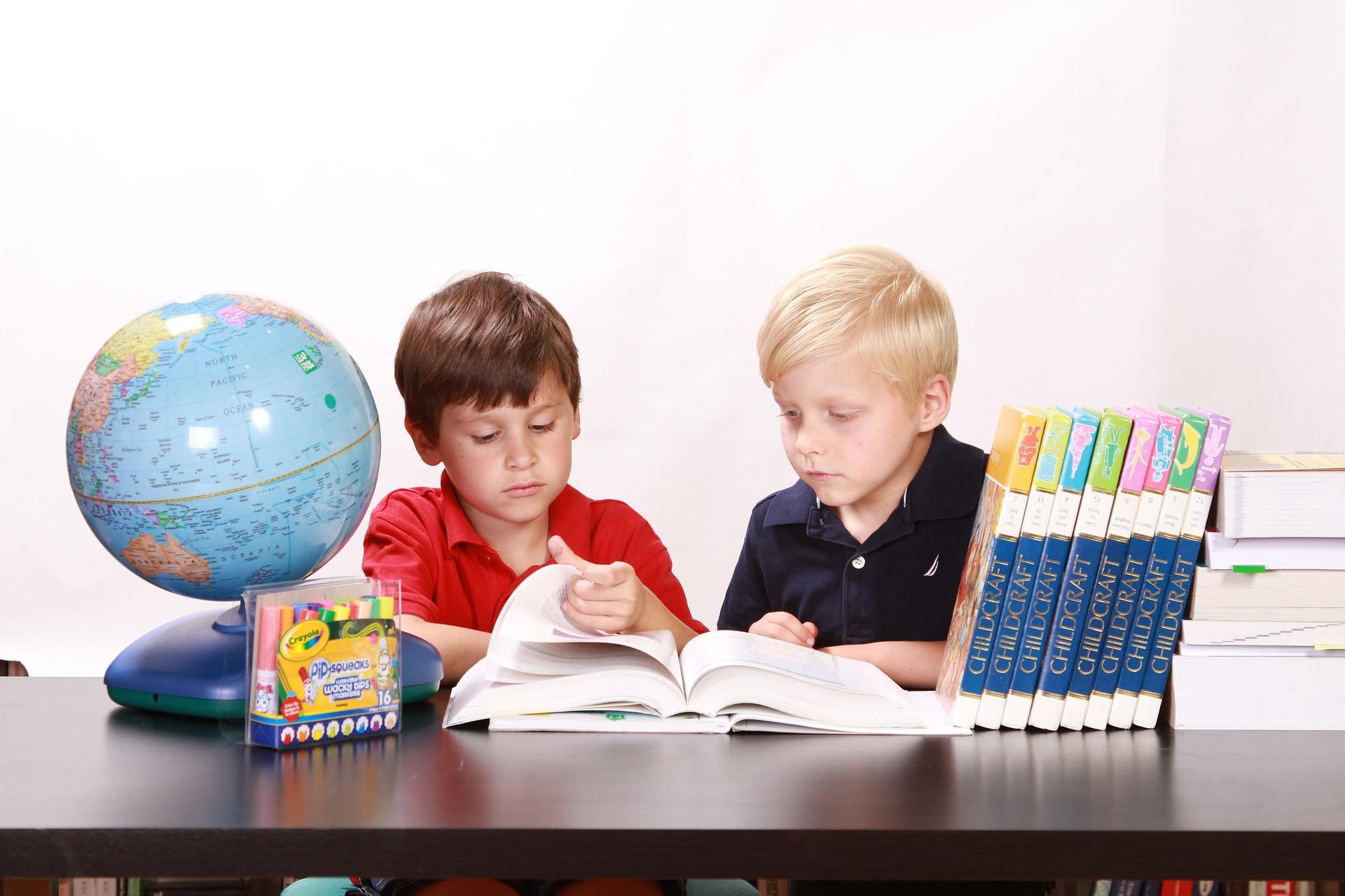 anak belajar bersama
