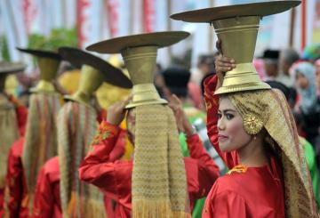 Tidak Perlu Pusing-pusing Menguasai Bahasa Minang, Begini Triknya