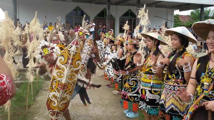 adat tradisional tribunnews
